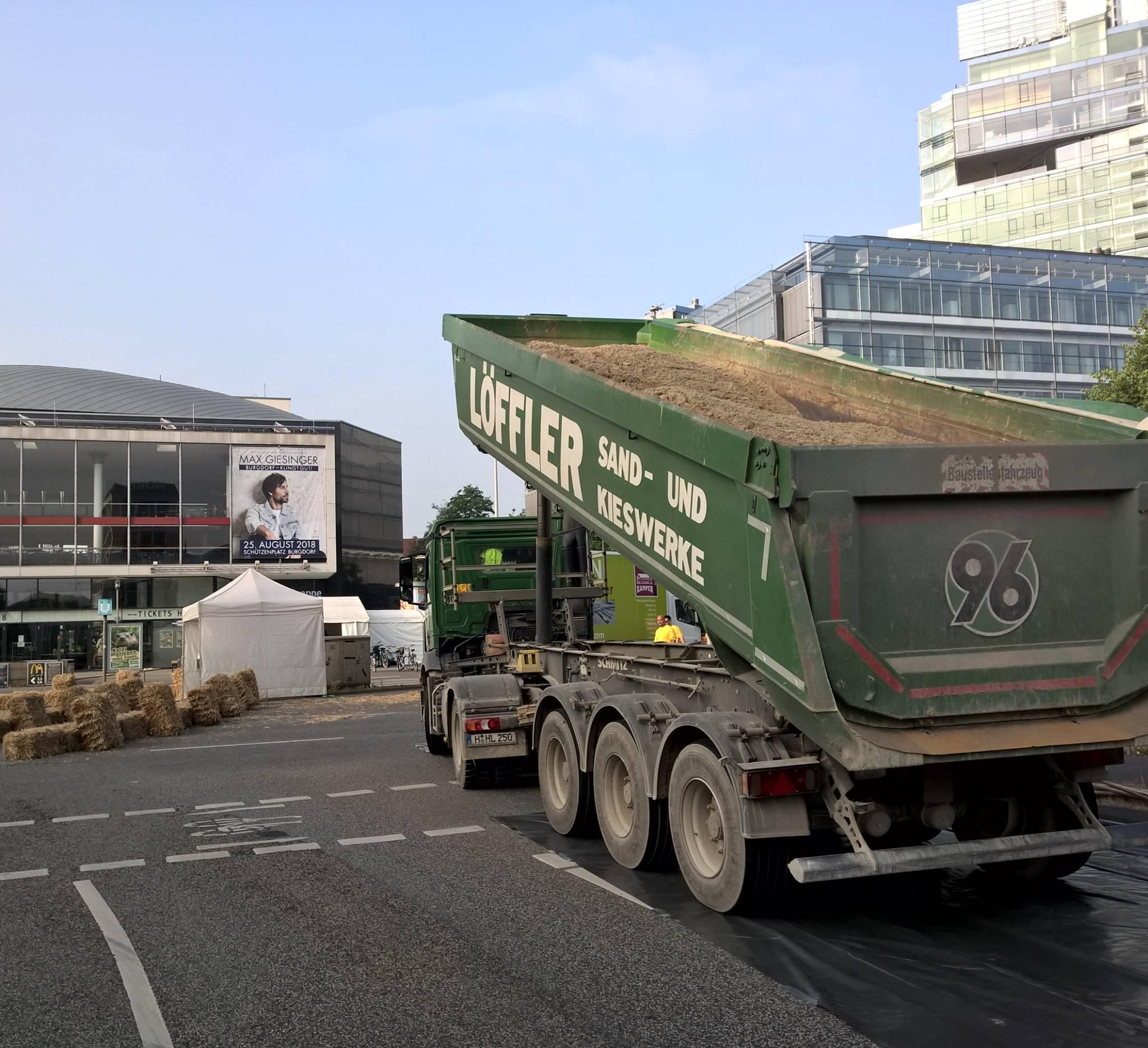 Sandlieferungen Für Das Maschseefest Hannover Und Den Autofreien Sonntag